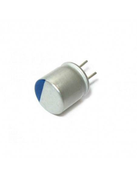 Condensador aluminio estado sólido 2.5V 820uF 105º